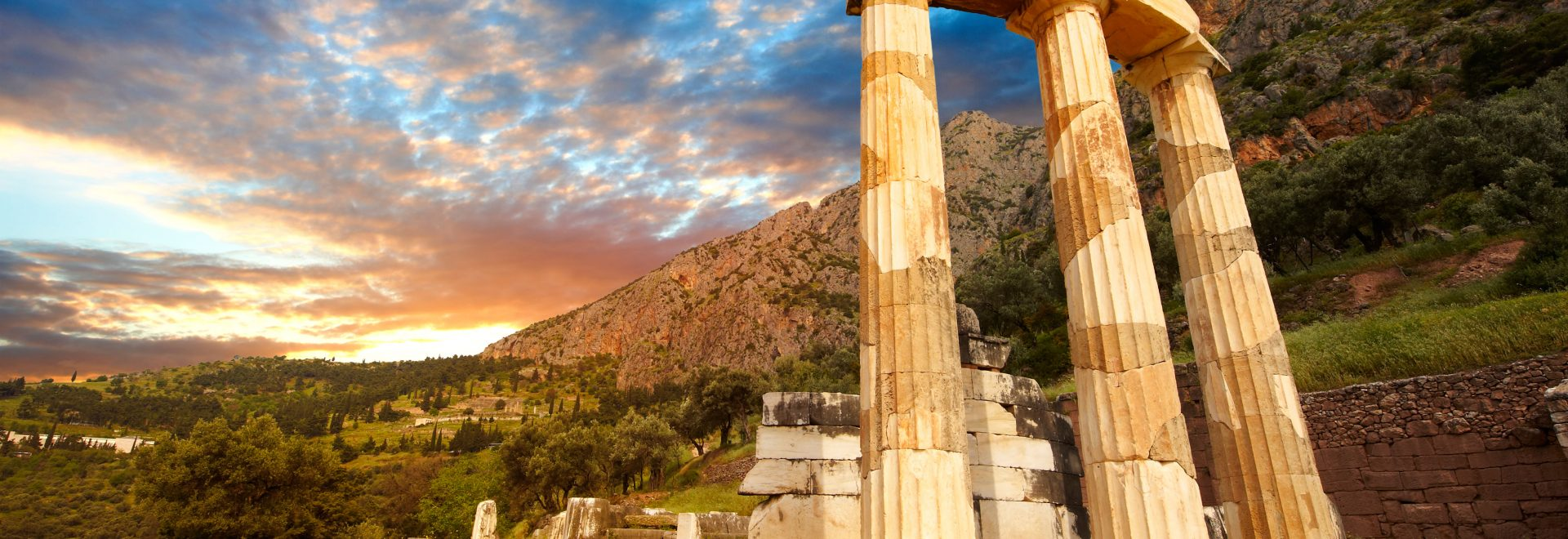 CFRF8W The Tholos at the sanctuary of Athena Pronaia,  a circular building with Doric columns 380 BC . Delphi Greece