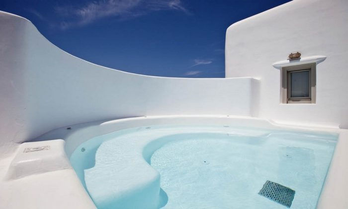 Luxury Cyclades tour package Athens, Mykonos and Santorini